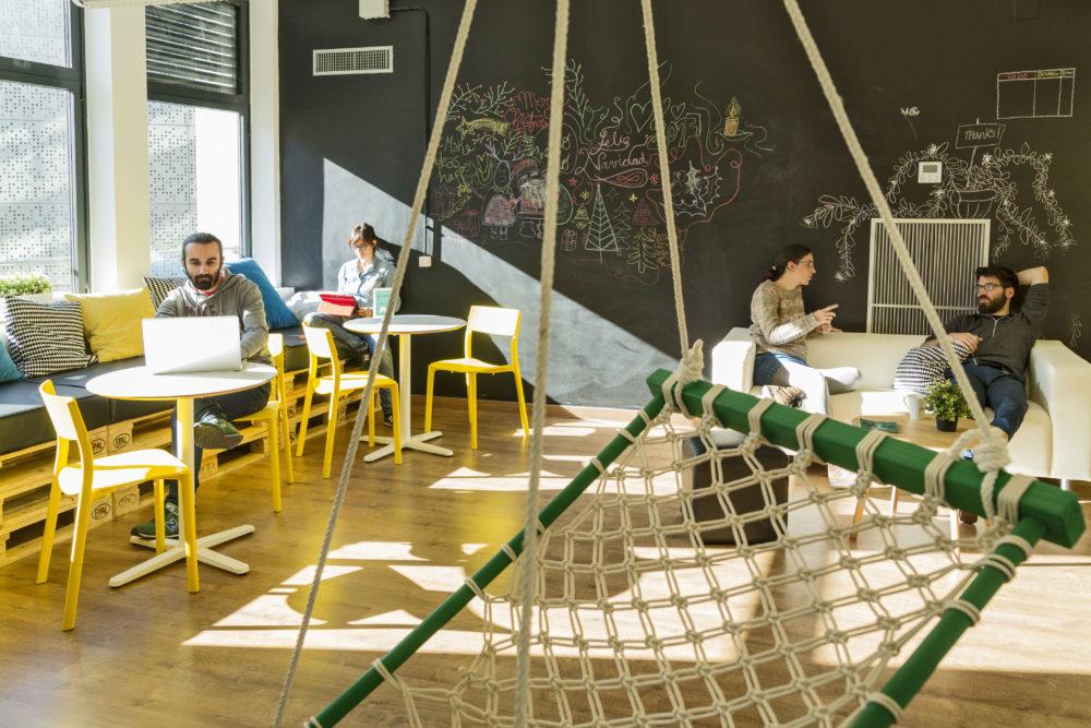 En nuestro coworking en Barcelona también hay espacio para el descanso