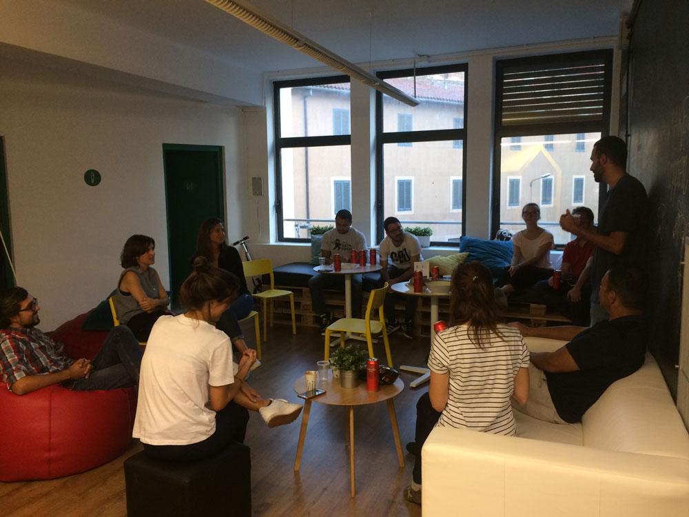 Coworkidea coworkers meeting
